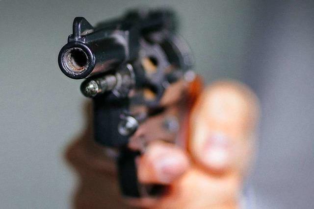 Schuss mit Schreckschusswaffe führt zu Drogenfund