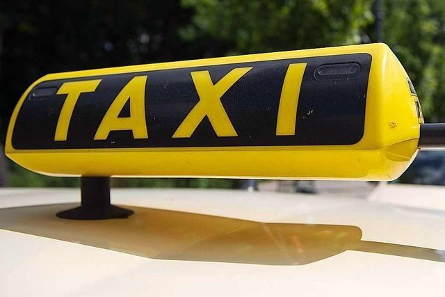 Fahrgast versetzt Taxifahrer in Lörrach einen Kopfstoß