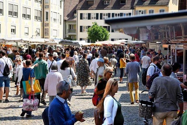 Besucher des Münstermarkts in Freiburg sollen freiwillig Masken tragen