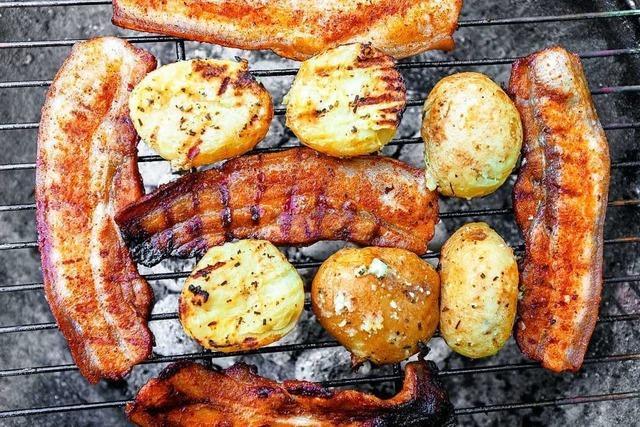 So gart man Kartoffeln auf dem Grill – ohne Folie