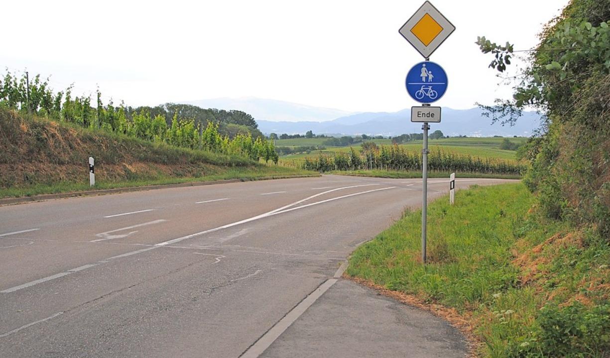 Mit dem Ausbau der Straße nach Walters...tel endende Radweg verlängert werden.   | Foto: Manfred Frietsch