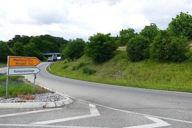 Navis lotsen offenbar Lastwagen zu A98-Auffahrt, die es noch nicht gibt