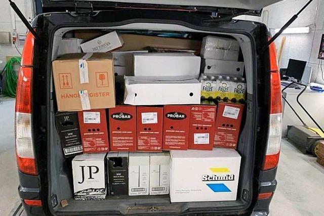 Schweizer Zöllner finden unter anderem 665 Kilo Fleisch und 61 Kilo Tabak