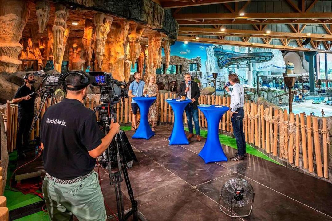 Pressekonferenz zur Wiedereröffnung vo...d Moderator Ingo Dubinski (von links).  | Foto: Bernhard Rein
