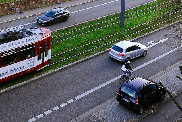 Gelten die neuen Abstandsregeln fürs Überholen auch bei Radfahrstreifen?