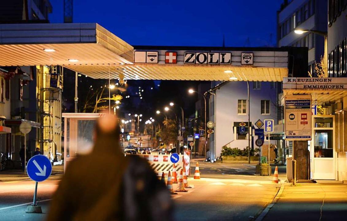 Staut sich der Verkehr mit Schweizer E...vor Corona? Keiner wagt eine Prognose.  | Foto: Felix Kästle (dpa)