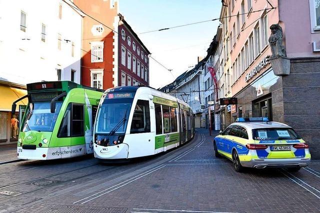 Handgemenge in Freiburger Straßenbahn: VAG sieht Schuld beim Fahrgast