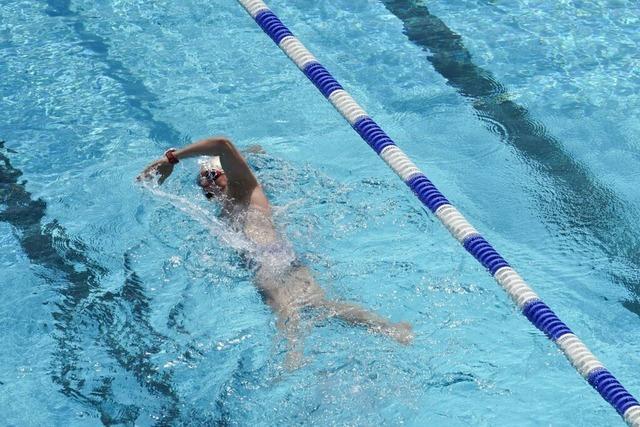 Regeln trüben die Freude nicht – der erste Tag im Schwimmbad Grenzach-Wyhlen