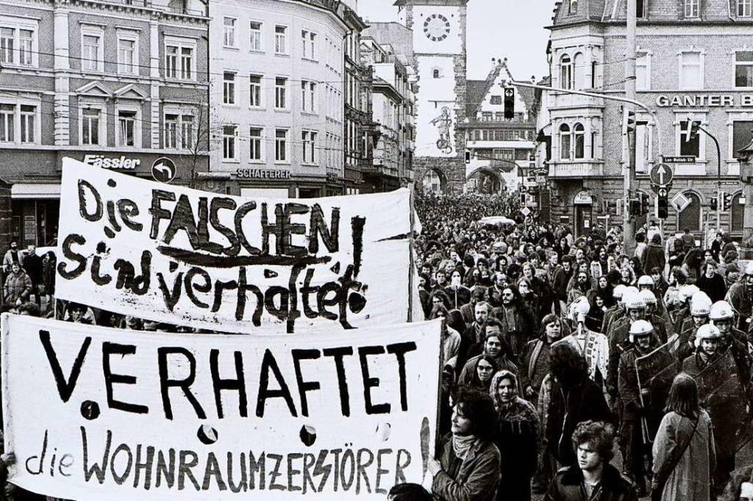 Aus der Demo am 13. Juni 1980 gegen di...ich die Besetzung des Schwarzwaldhofs.    Foto: Siegfried Gollrad
