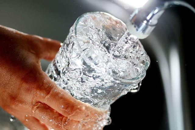 Das Gewerbe verbraucht weniger Energie − Privatleute mehr Wasser