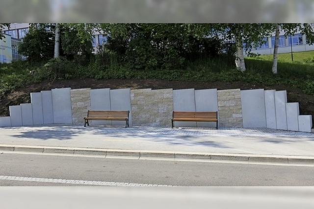 Mehr Komfort an der zentralen Bushaltestelle