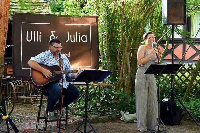Wie war's beim... ersten Open-Air Konzert von Ulli Bohnert und Julia Schraudolph im Biergarten der Dammenmühle