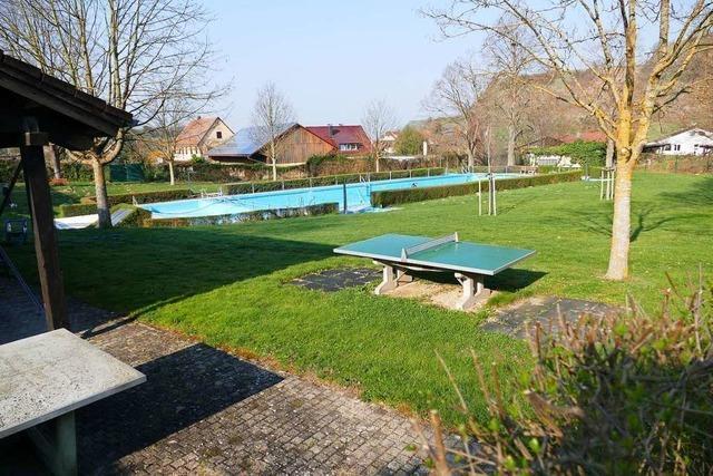 Das Schwimmbad in Oberrotweil bleibt vorerst geschlossen