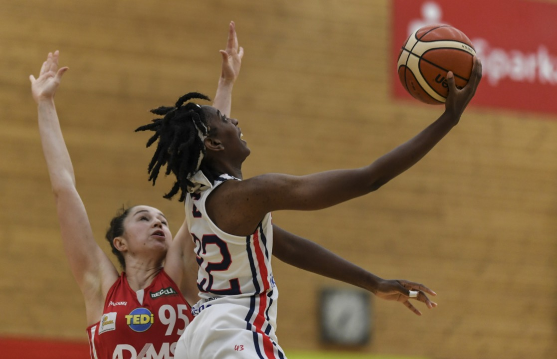 Bundesliga-Basketball in Freiburg – hier mit Alexa Nicole Hart.    Foto: Patrick Seeger