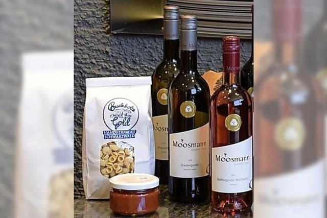 Weinprobe mit Zutaten, online