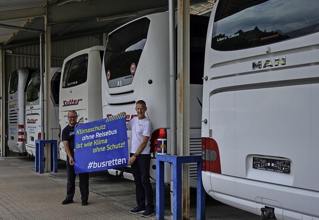 Fahrer von Busreisen Sutter in Münster...uf die Fahrt zur Demo nach Berlin vor.  | Foto: Gabriele Hennicke