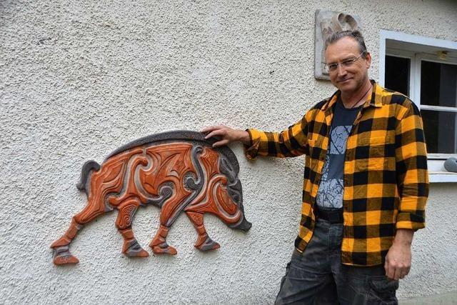Dieser Rheinfelder Künstler erschafft keltische Keiler