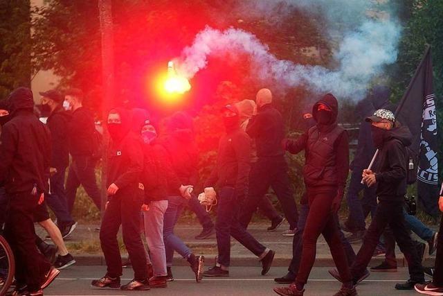 Sowohl Rechts- als auch Linksextremisten stellen eine Gefahr für die Demokratie dar