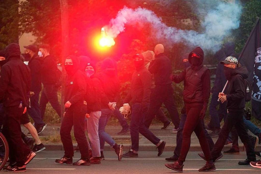 Einen Zuwachs verzeichneten im abgelau...er einer Demonstration in  Connewitz).    Foto: Sebastian Willnow (dpa)