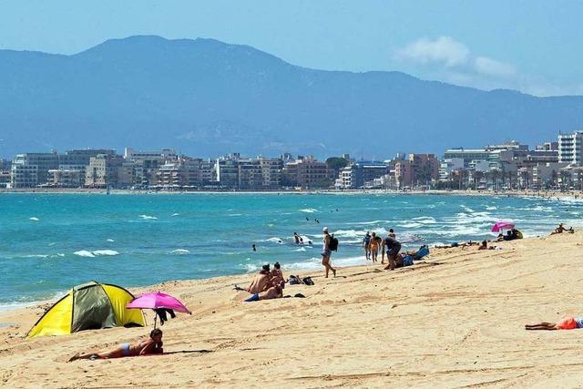 Erste deutschen Urlauber erobern Mallorca