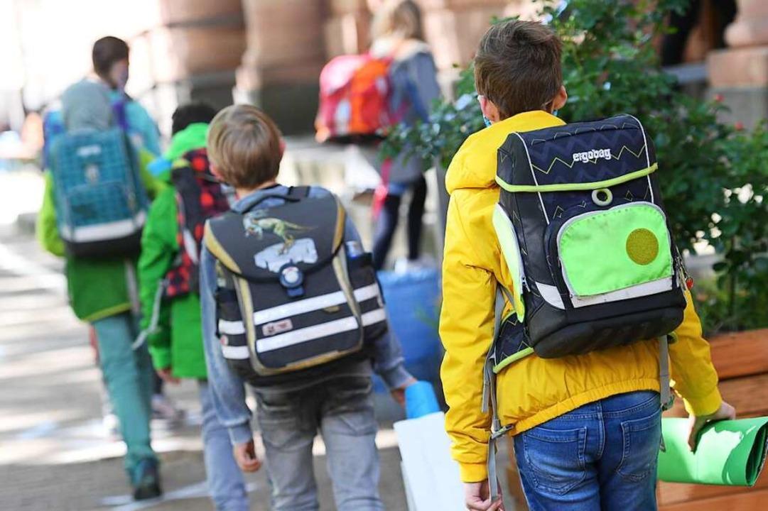 Auch im westlichen Breisgau besuchen n...stufen wieder die Schule (Symbolbild).  | Foto: Arne Dedert (dpa)
