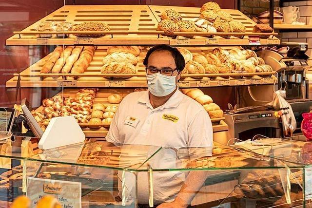 In Corona-Zeiten eine Herausforderung: Brot beim Bäcker kaufen