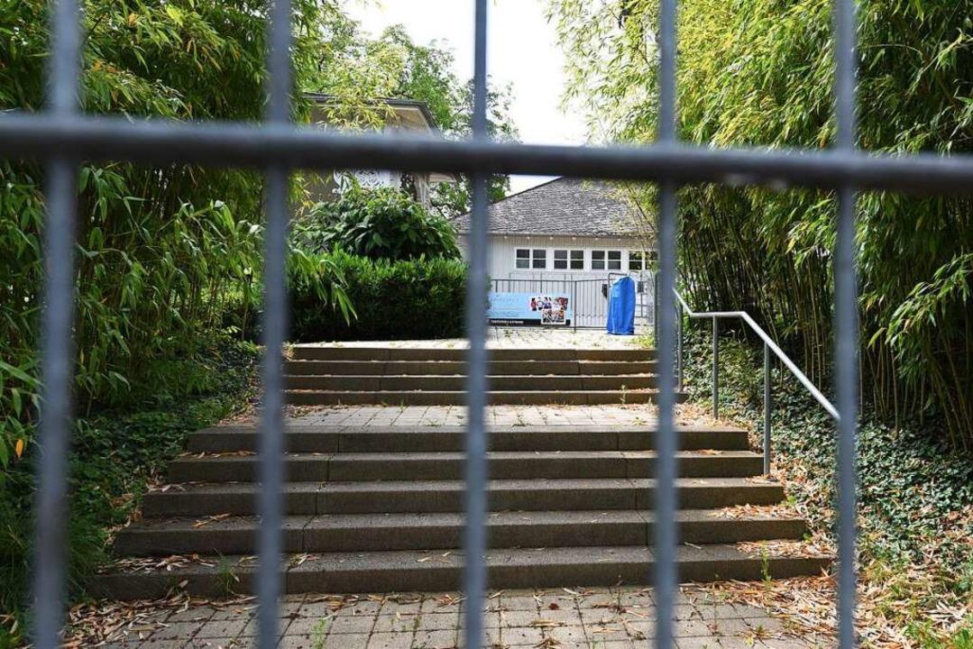 Die Freiburger Freibäder – wie d...– sind nach wie vor geschlossen.  | Foto: Rita Eggstein
