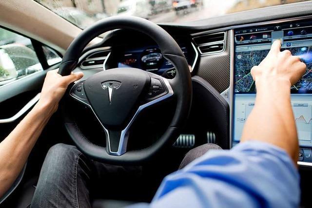 Teslas Werbung mit Autopiloten droht gerichtlicher Stopp