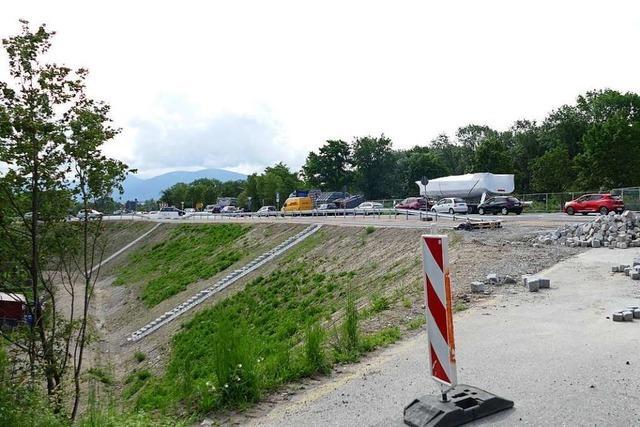 Pförtnerampel soll Staus in der Baustelle der Anschlussstelle Müllheim-Neuenburg verhindern