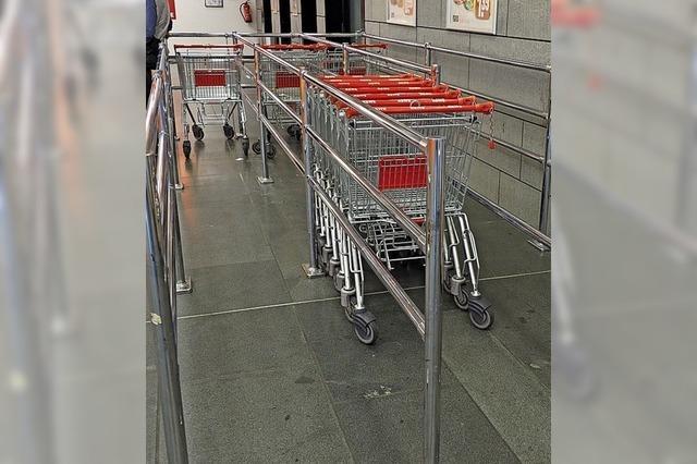 Einkaufswagen werden zur Mangelware
