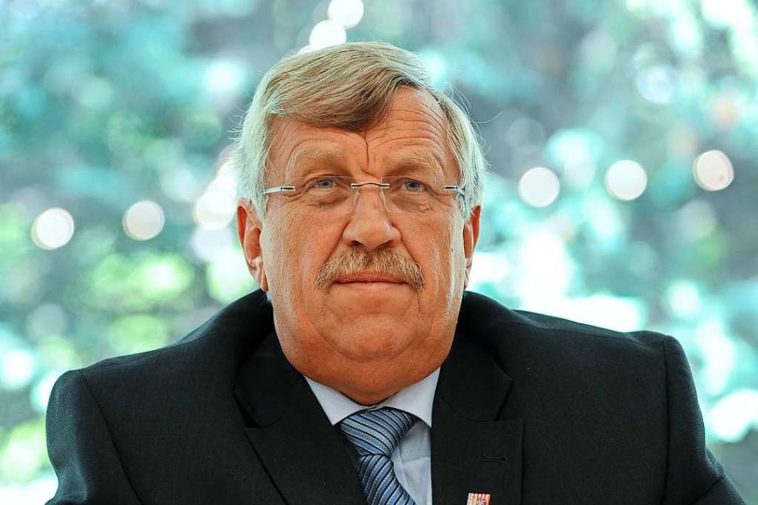 Walter Lübcke bei einer Pressekonferenz 2012  | Foto: Uwe Zucchi (dpa)