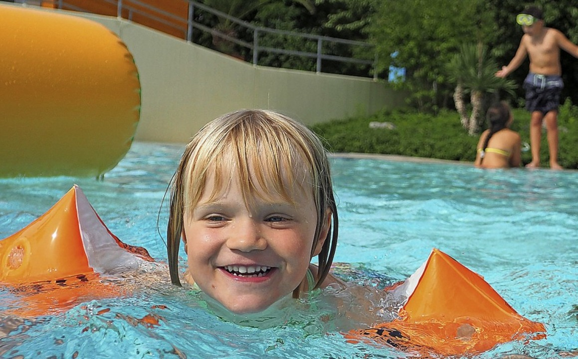 Gebot der Stunde auch im Freizeitbad Aquarado: Abstand halten  | Foto: Kur und Bäder GmbH