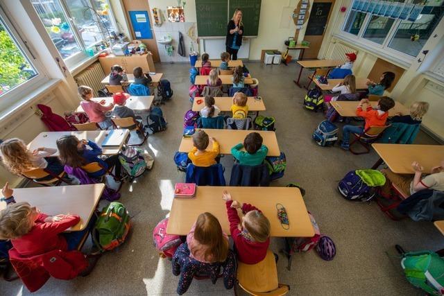Abstandsregeln bleiben – Schulen sollen zum Regelbetrieb zurückkehren