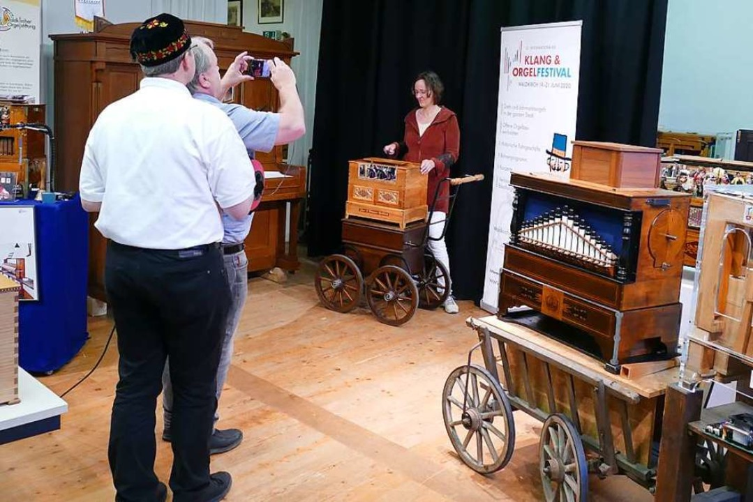 Ina Gutsch spielt Orgel, Wolfgang Brom... coronabedingt abgesagt werden musste.  | Foto: Sylvia Sredniawa