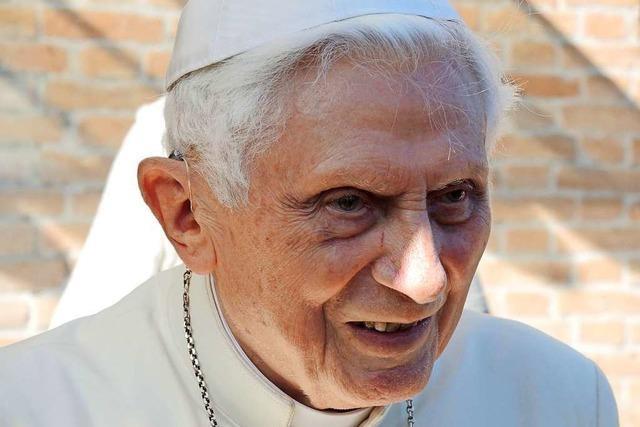 Benedikt XVI. besucht seinen sterbenden Bruder in Bayern