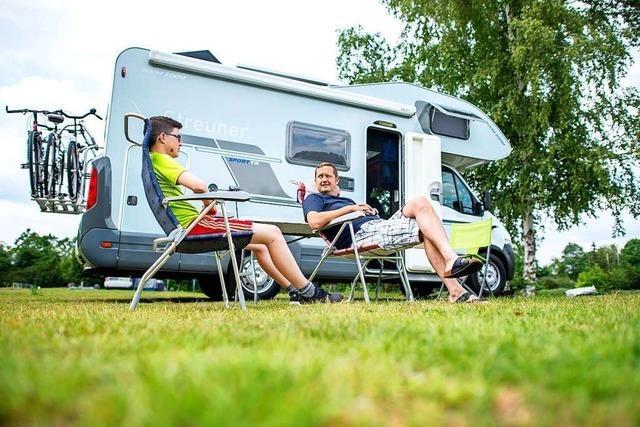 Camper steuern Schluchsee an – aber meiden den gebührenpflichtigen Stellplatz
