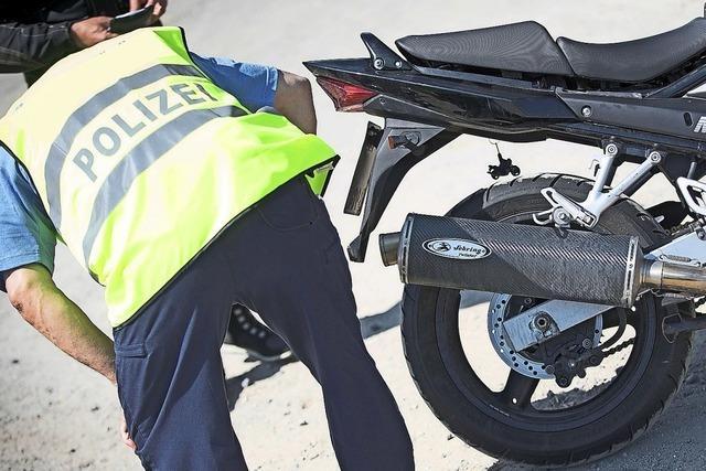 Polizei hat Motorradfahrer im Visier
