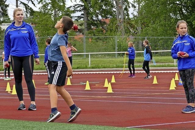 Leichtathleten starten mit dem Training