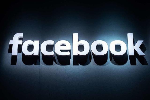 Facebook sperrt Trump-Wahlkampfanzeigen mit NS-Symbol