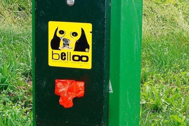 Hundekotbehälter durch Spenden möglich gemacht