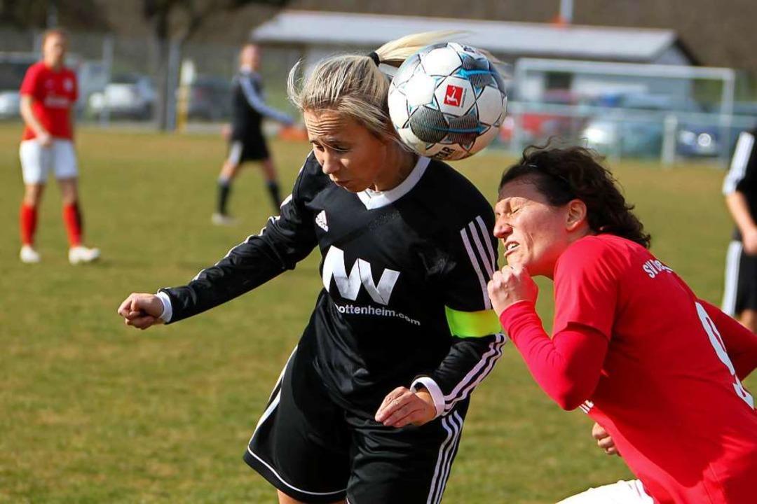 Auch die Gottenheimer Fußballerinnen t...mateurbereich noch nicht möglich sind.  | Foto: Daniel Hengst