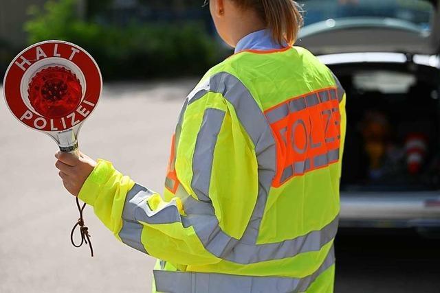 Betrunkener Autofahrer versucht vergeblich, der Polizei zu entkommen