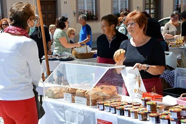 Auf den Märkten in St.Peter und Oberried herrscht der gewohnte Trubel
