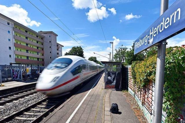 Pendler in Freiburg wollen nach Fahrplanwechsel der Bahn wieder aufs Auto umsteigen