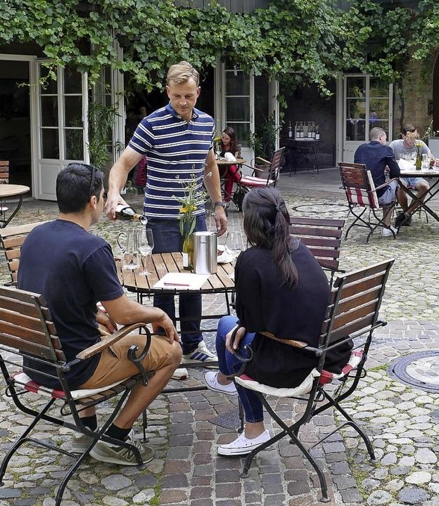 In den Höfen der Ihringer Weingüter St...esuchte   Jahrgangsverkostung  statt.     Foto: Gerold Zink