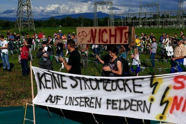 Fast 500 Eichstetter protestieren gegen Ausbau von Umspannwerk