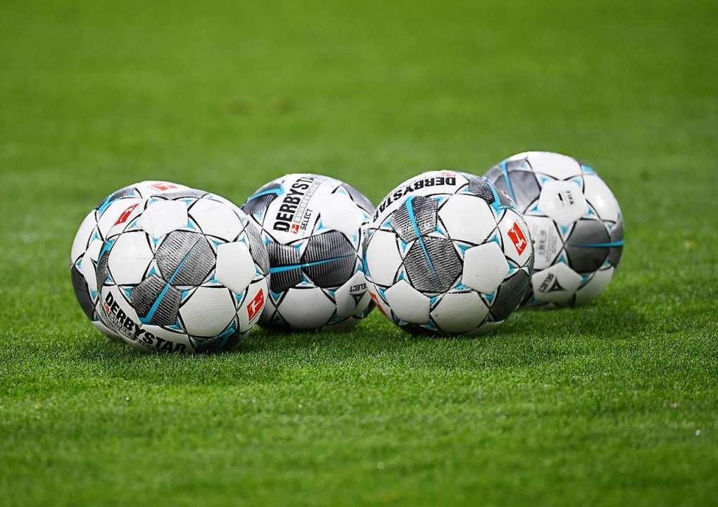 Die Bälle bleiben liegen: Die Saison 2019/20 in Südbaden ist abgebrochen.  | Foto: Achim Keller/SCFreiburg/POOL