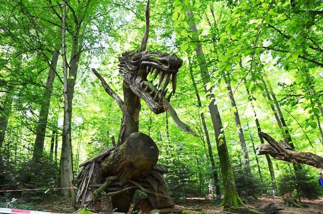 Holzkunst von Thomas Rees auf dem Skulpturenpfad  | Foto: Anita Fertl
