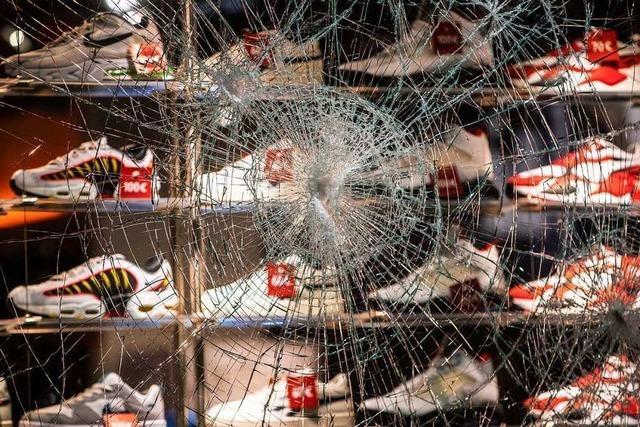 Plündereien, Gewalt und Chaos - Randalierer wüten in Stuttgart