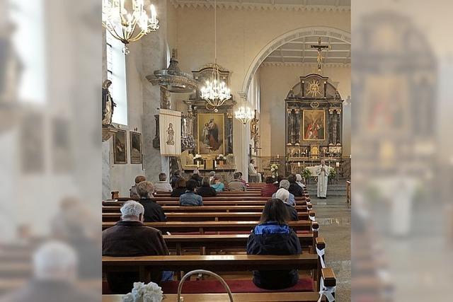 Statt Versammlung in die Kirche